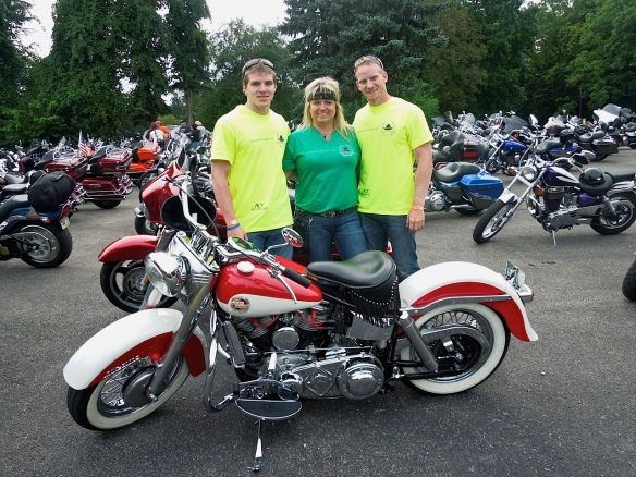 Connie Nicholson and sons - Memorial Ride
