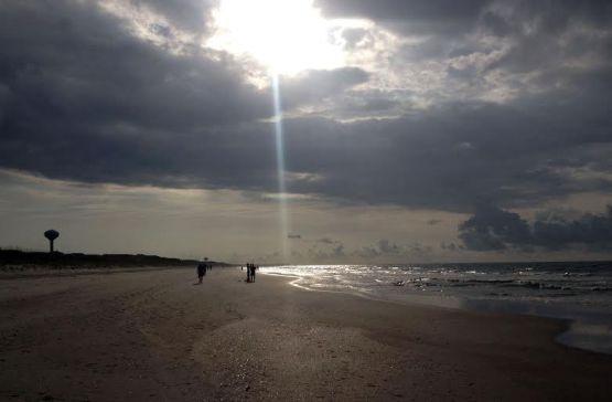 Ed Cope - Beach light scene
